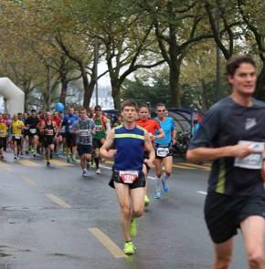 SwissCity Marathon Lucerne vom 26.10.2014 - Beim KKL Luzern (2 km)